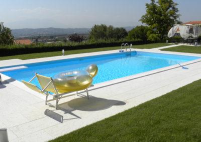 piscina-con-attrezzature