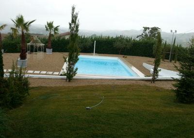 piscina-con-bel-paesaggio