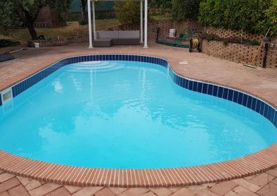 piscina-ricoperto-da-mattoni